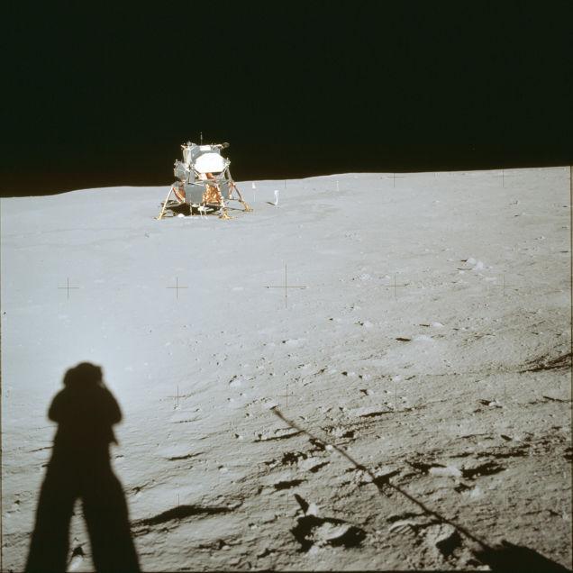 primeiro pouso na lua 25