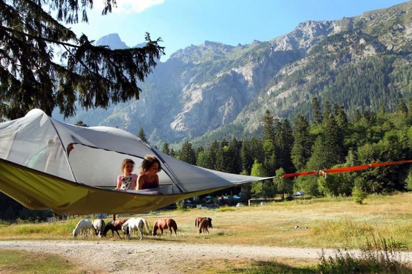 suspended-treehouse-tent-tentsile-alex-shirley-smith-9