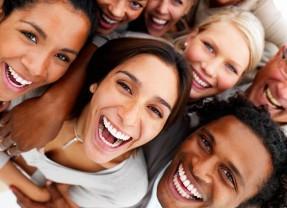 Uma maneira simples de fazer mais amigos, confirmada pela ciência