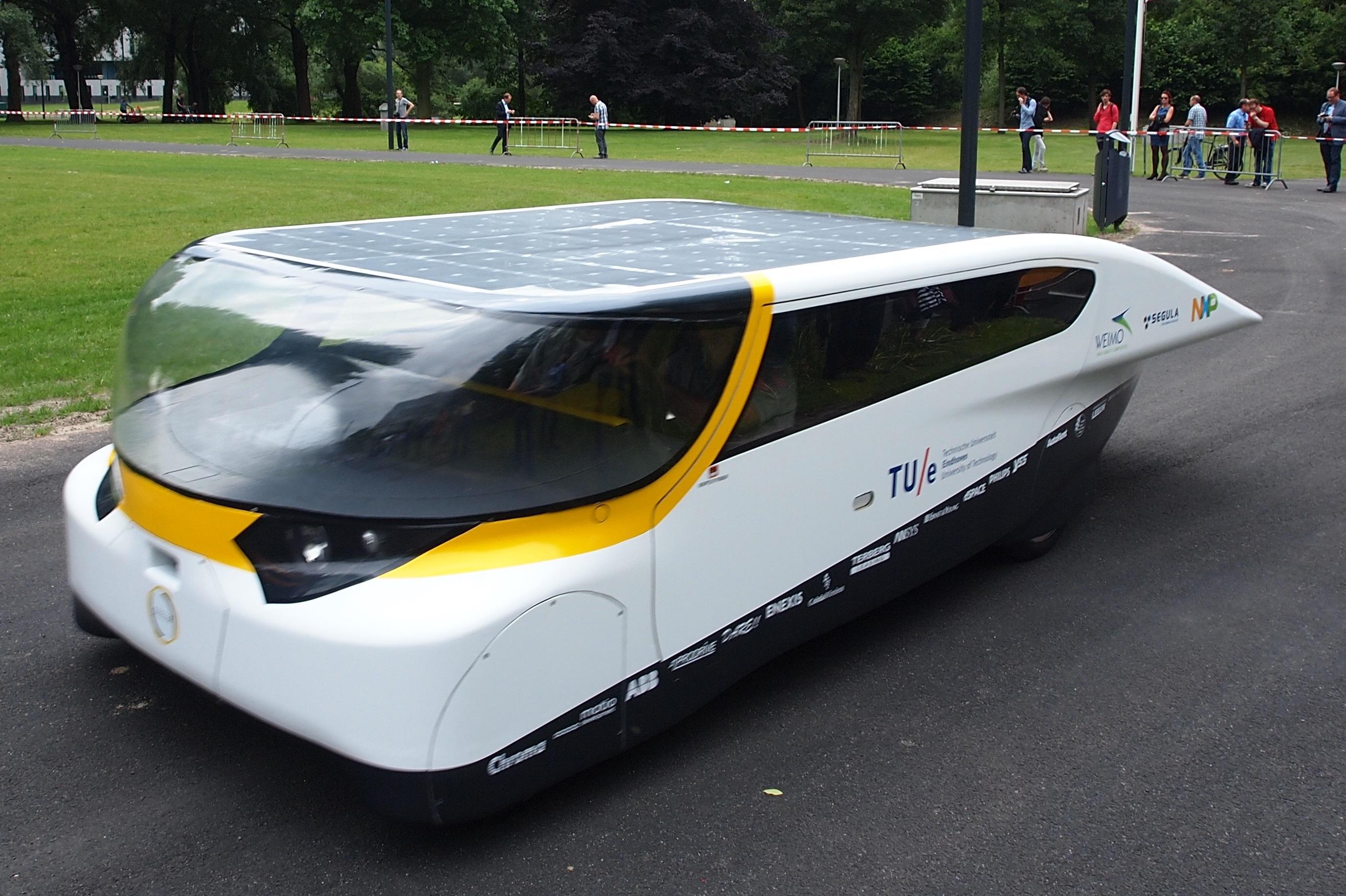Carro Solar Para A Fam 237 Lia Anda 800 Km Com Uma 250 Nica Carga