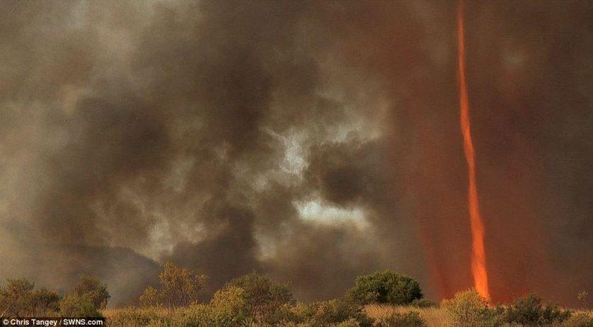 tornados de fogo 2.jpg-.jpg-