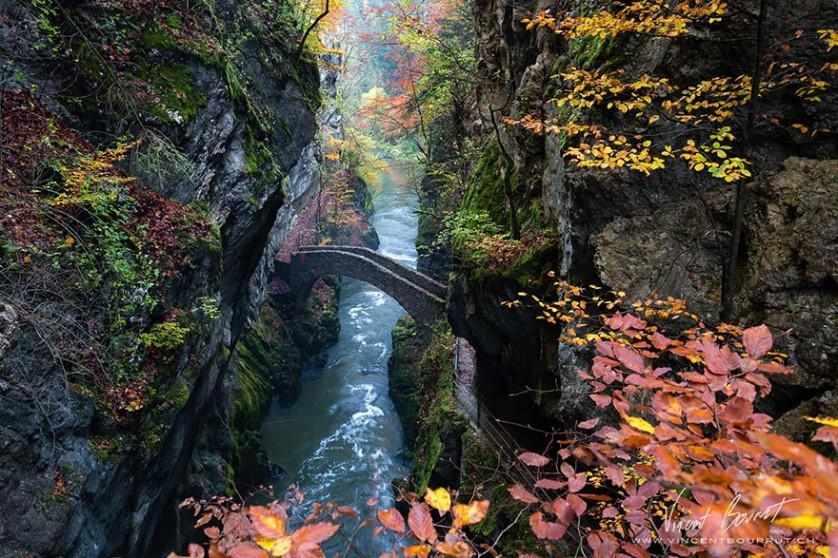 Gorge De L'areuse, na Suíça