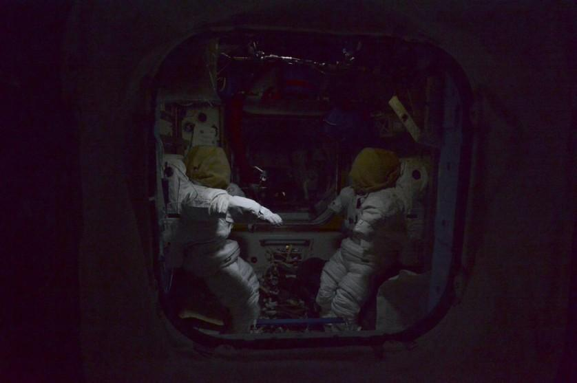 Estação Espacial Internacional a noite (3)