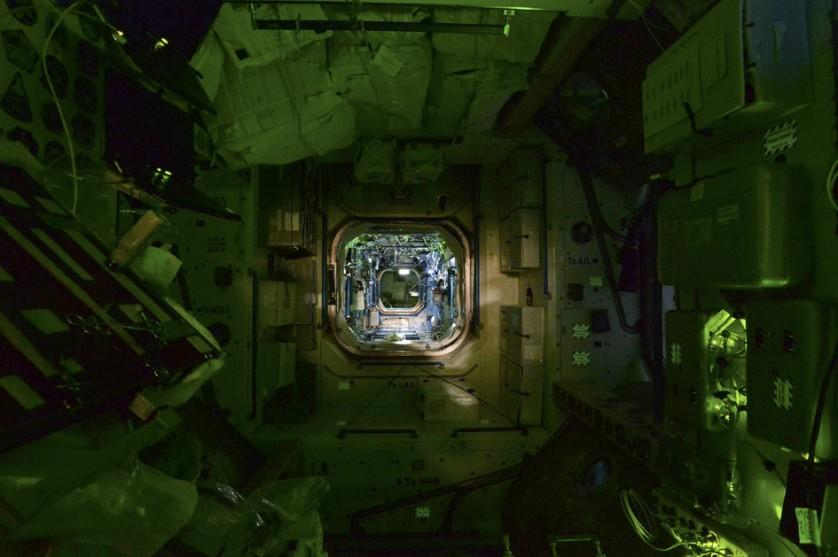 Estação Espacial Internacional a noite (6)