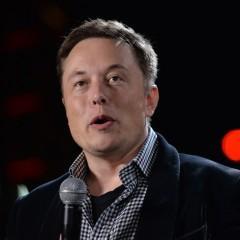 Elon Musk vai lançar constelação de 700 satélites para levar internet ao mundo todo