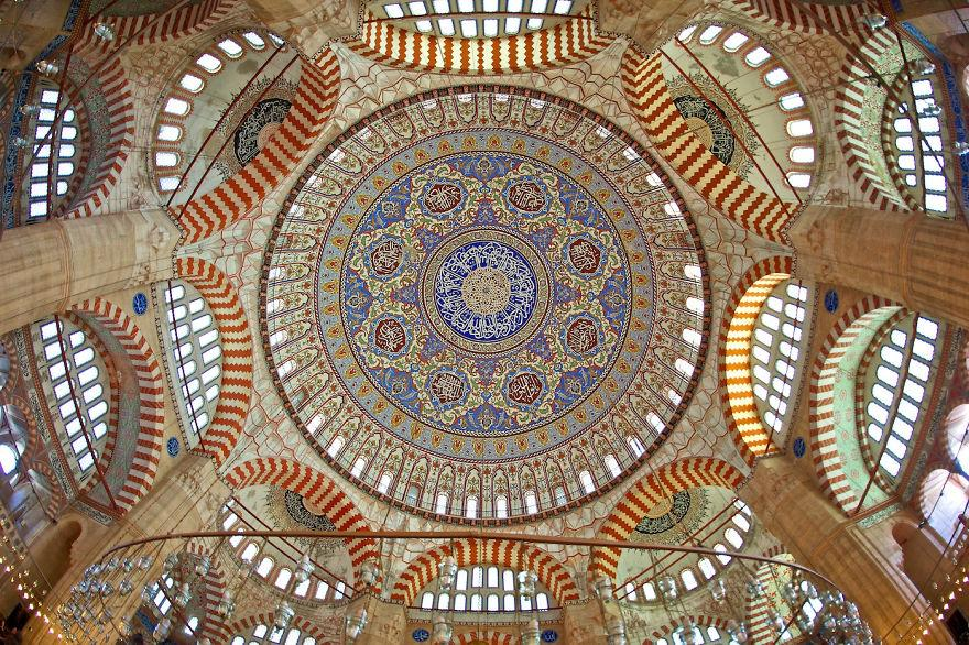 mesquita 18