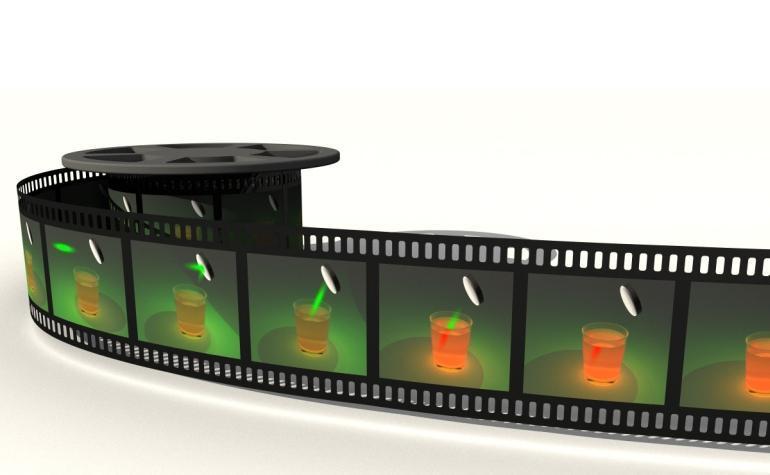 camera-ultra-rapida-registra-fotons-sendo-refletidos-em-espelho (1)