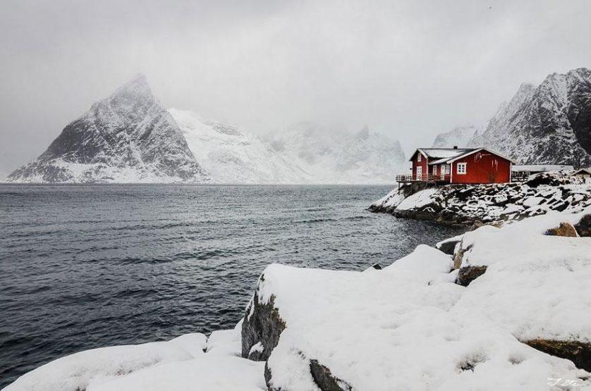 casas-solitarias-cobertas-de-neve-21
