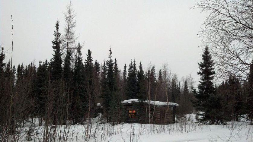 casas-solitarias-cobertas-de-neve-3