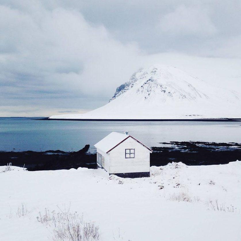 casas-solitarias-cobertas-de-neve-31