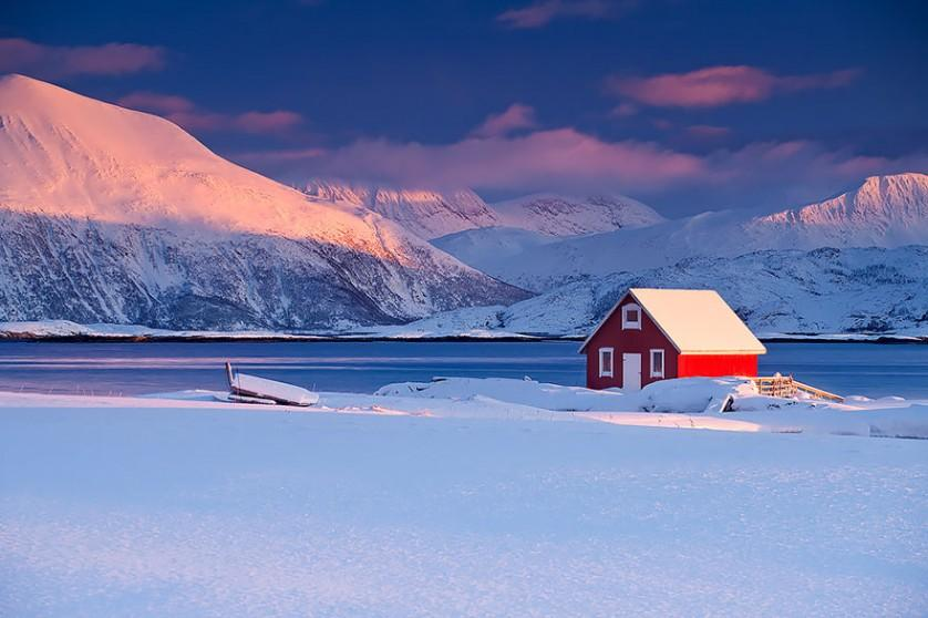 casas-solitarias-cobertas-de-neve-37