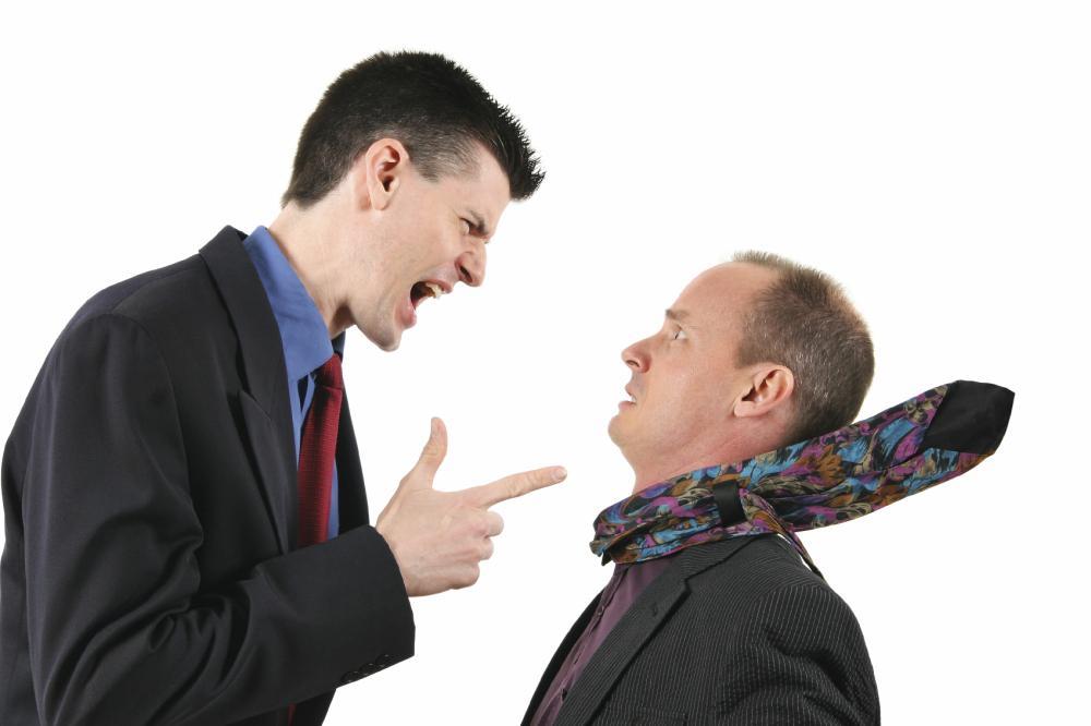 A melhor maneira de responder a um chefe hostil é com hostilidade