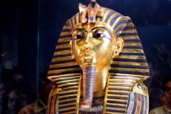 Máscara de Tutancâmon foi irreversivelmente danificada