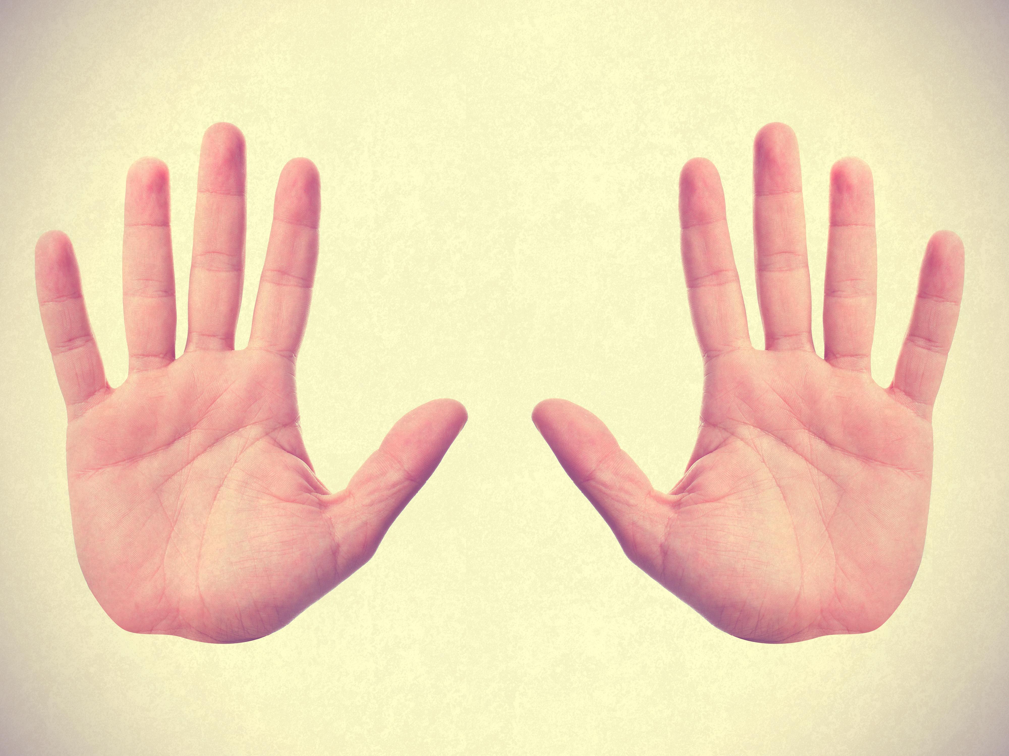 Quer saber se uma pessoa é fiel? Preste atenção nos dedos dela