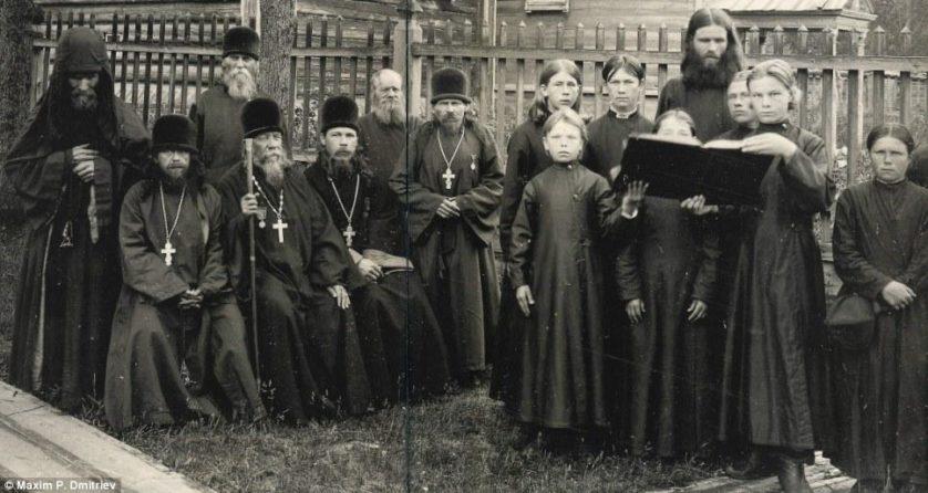 Velhos Crentes em um mosteiro, em 1897