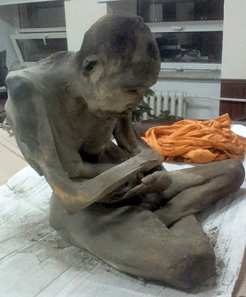 monge mumificado (2)