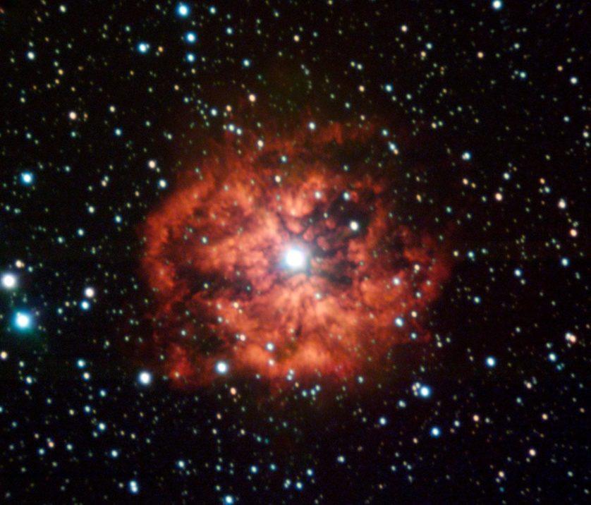 M1-67 é a mais jovem nebulosa em torno de uma estrela Wolf-Rayet, nomeada WR124, em nossa galáxia