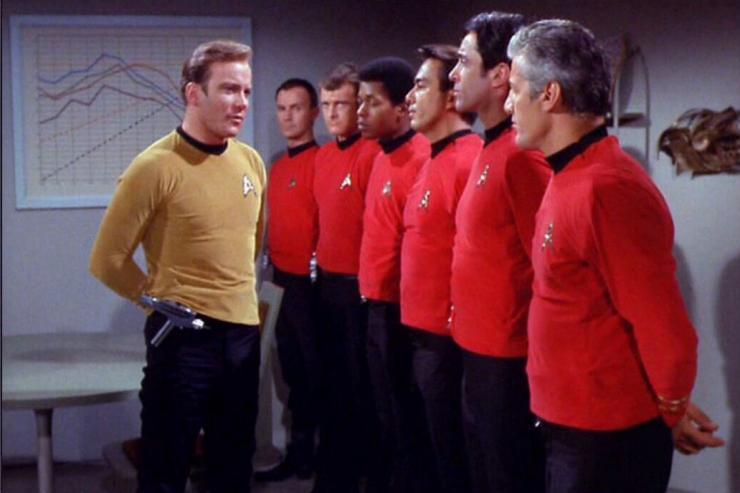 Esta exata camiseta vermelha é a única exceção a regra
