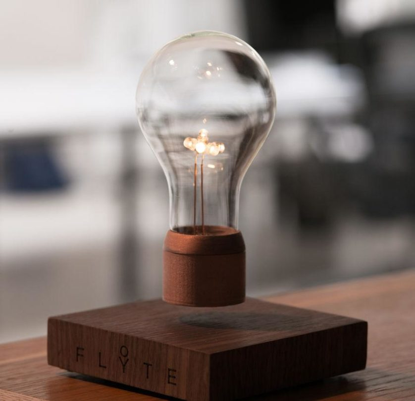 lampada que levita flyte (1)