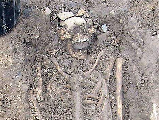 descobertas arqueologicas macabras 4-