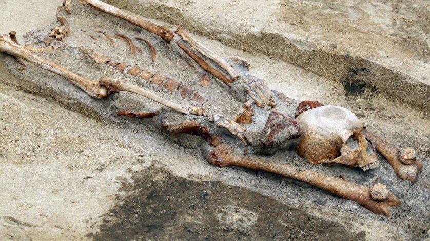 descobertas arqueologicas macabras 4--