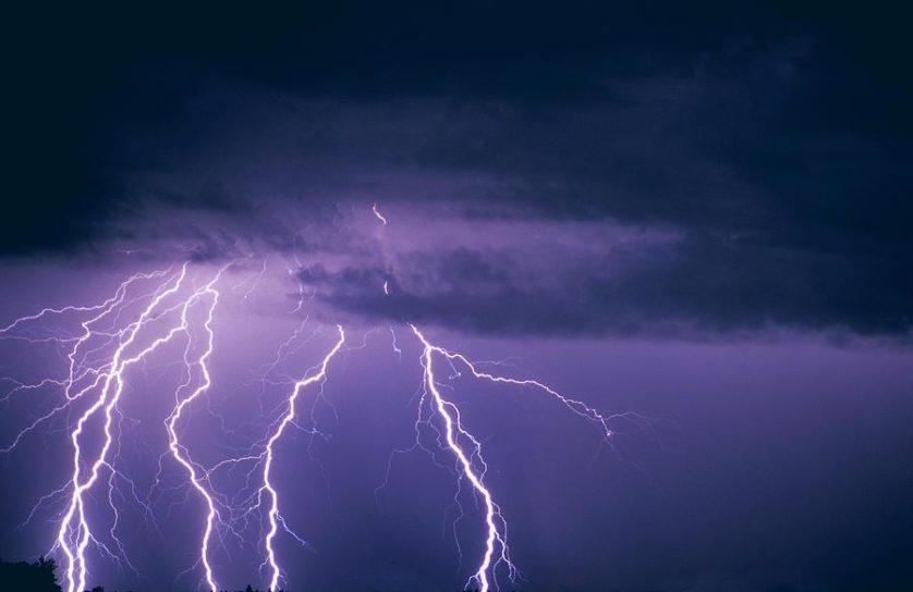 nuvem tempestade antimateria