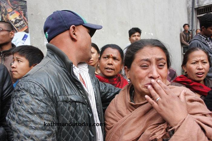 resgate bebe terremoto nepal (7)