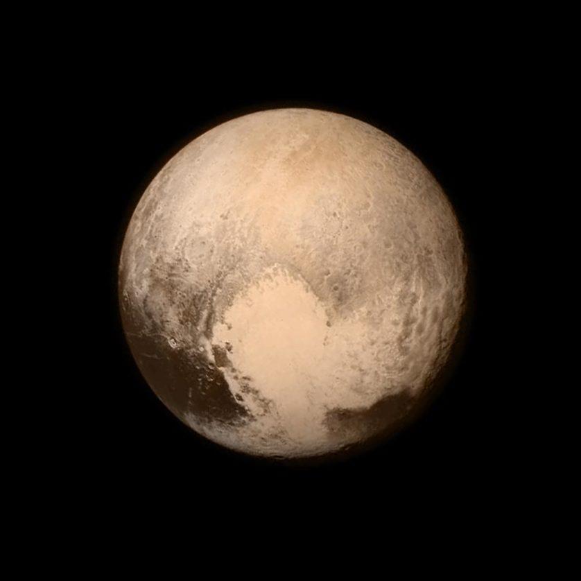 Plutão é planeta width=