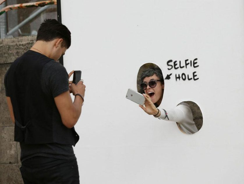 """Buraco da selfie"""