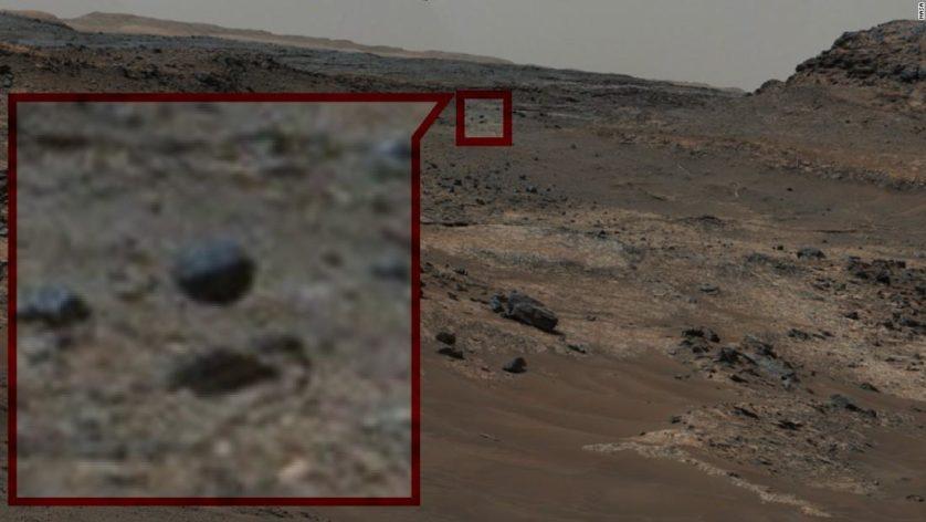 Internautas descobriram uma rocha levitando na paisagem marciana