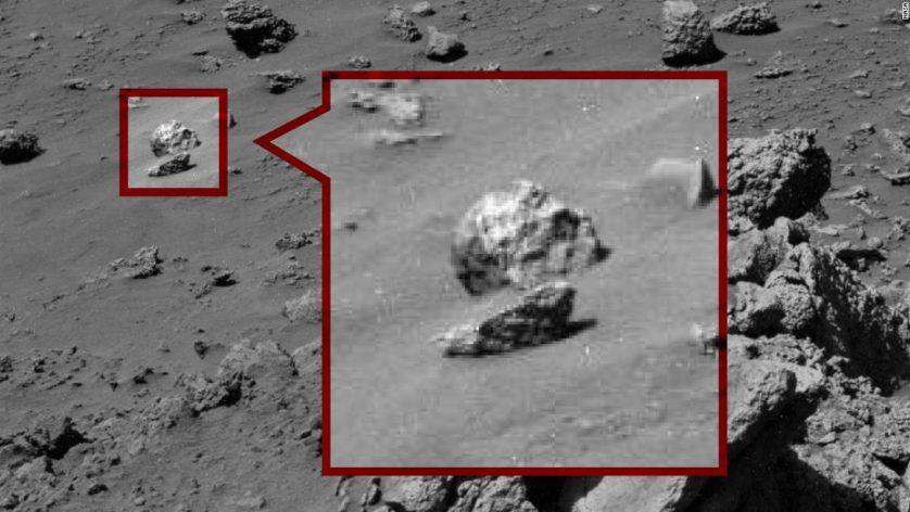 Claramente, um crânio humano que não é de maneira alguma apenas uma rocha