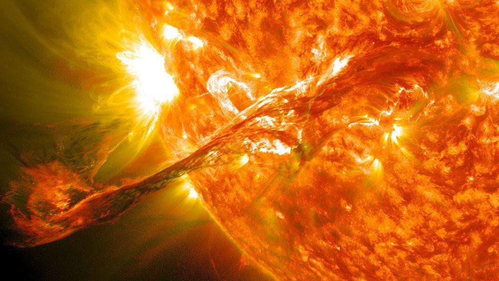 Resultado de imagem para explosão solar em 11 anos acaba de acontecer