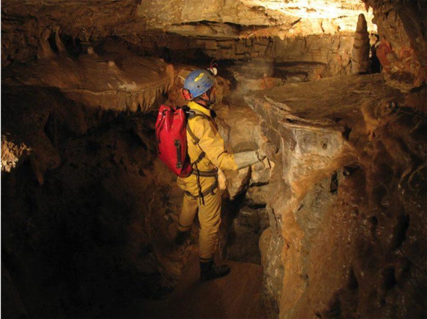Caverna Voronya a 1.980 metros