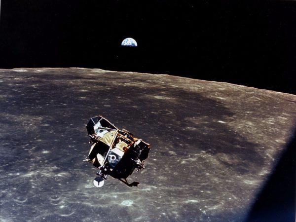 Apolo 10, não pousou na Lua por que não quis. E por que não estava programado