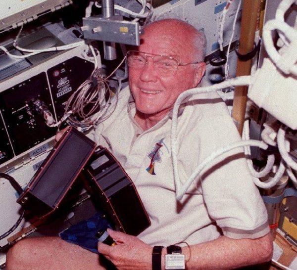 John Glenn na missão STS-95