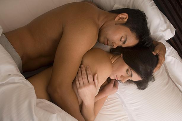 082135fd408da5 Dormir sem roupa íntima faz mal?