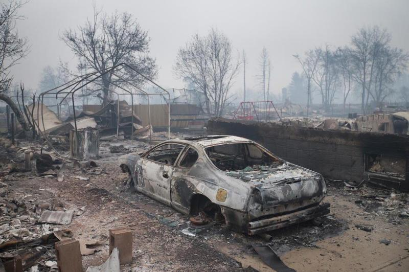 imagens-fantasmagoricas-feitas-depois-do-incendio-florestal-no-canada-14