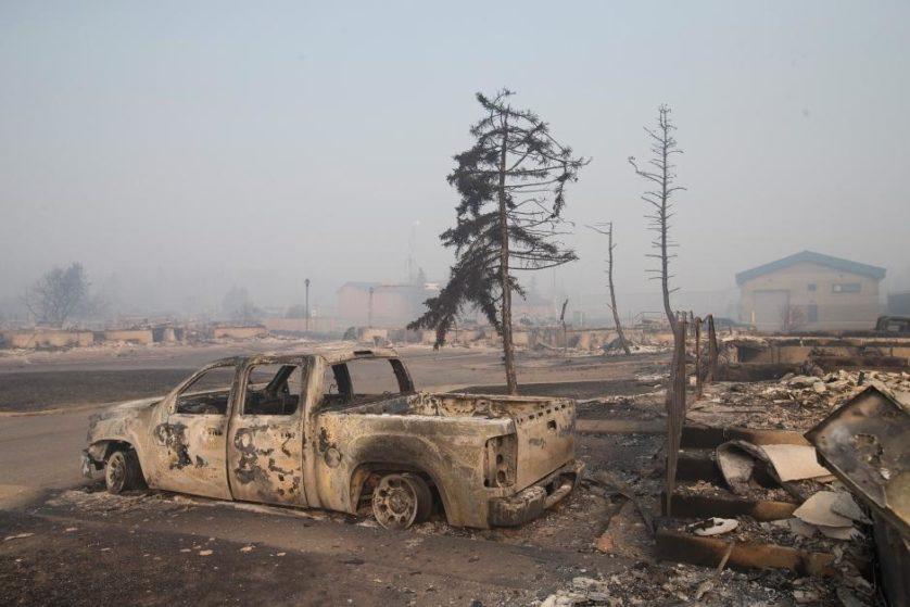 imagens-fantasmagoricas-feitas-depois-do-incendio-florestal-no-canada-4
