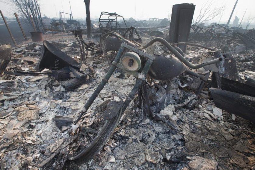 imagens-fantasmagoricas-feitas-depois-do-incendio-florestal-no-canada-7