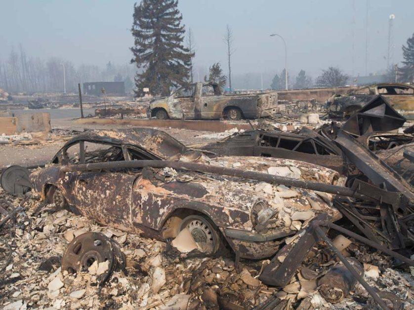 imagens-fantasmagoricas-feitas-depois-do-incendio-florestal-no-canada-9