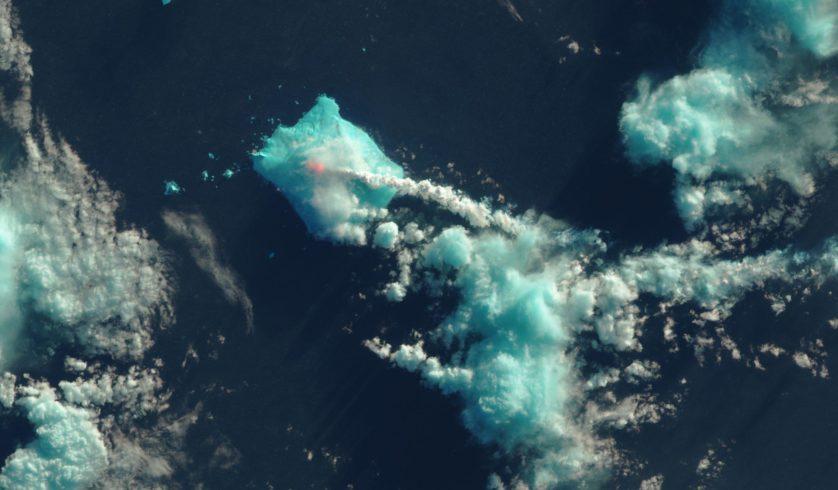 Monte Sourabaya - Erupção de 1 de maio de 2016