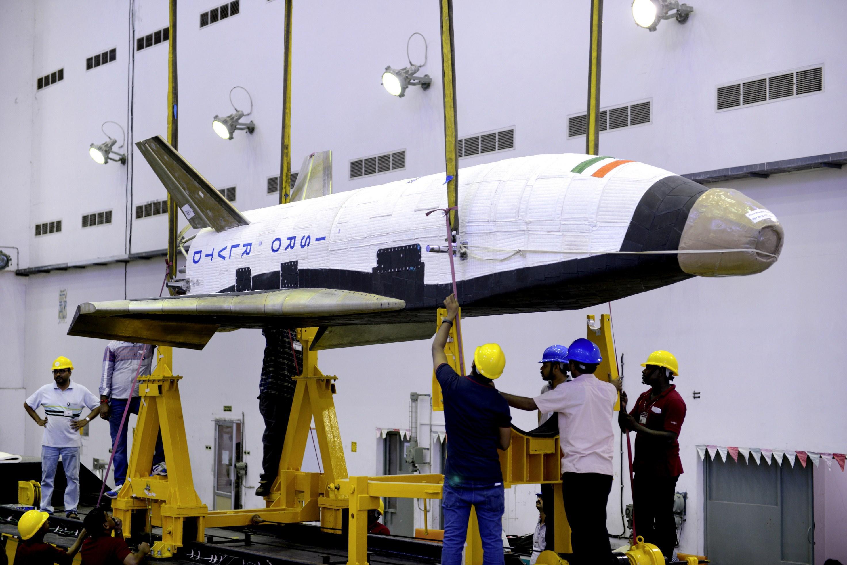 onibus espacial india 2