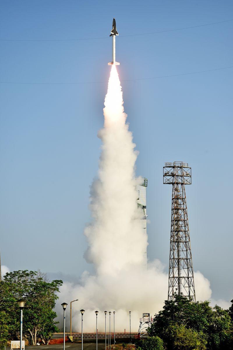 onibus espacial india 8