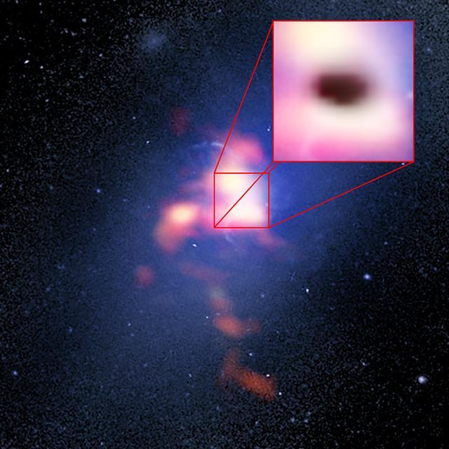Uma foto aumentada do buraco negro no meio do seu frenesi