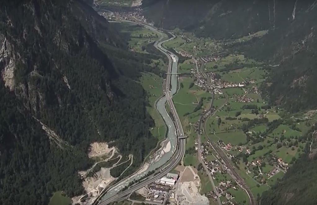 tunel mais longo do mundo suica 1