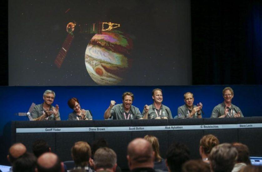 Cientistas da missão falam sobre a aproximação de Juno à órbita de Júpiter