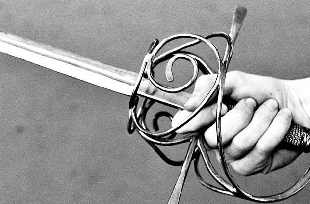 10 mitos sobre espadas que não têm base na realidade