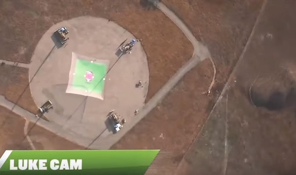 homem pula sem paraquedas em rede 2