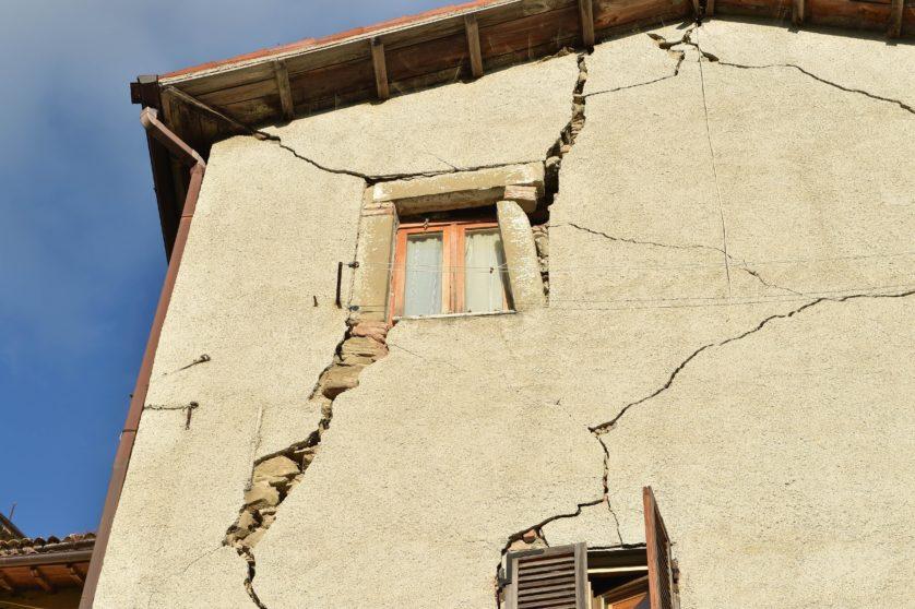 Por enquanto, não está claro se os edifícios poderão ser recuperados ou reparados (Imagem: Getty / Giuseppe Bellini)