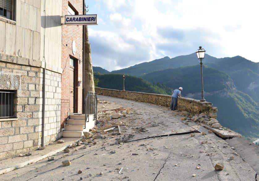 Estrada danificada em Arquata del Tronto (Imagem: Getty / Giuseppe Bellini)